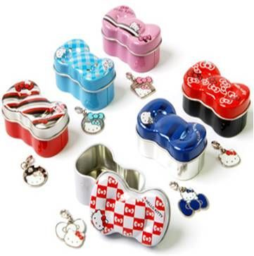 Hello Kitty Charms in tins Gacha - pack of 3